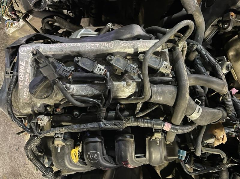 Генератор Toyota Allion NZT240 1NZ 2003 4 контакта. (б/у)