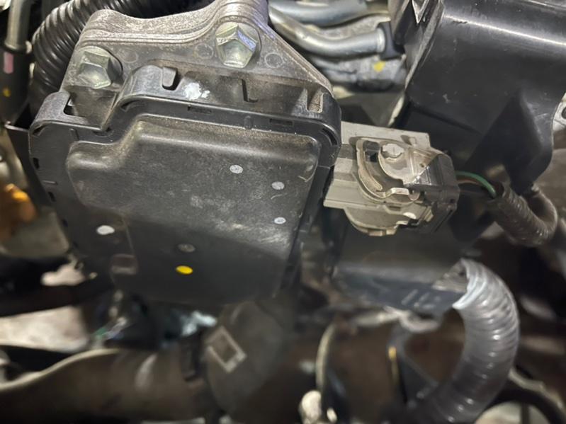 Блок valvematic Toyota Premio ZRT260 2ZR 2011 Контрактный, отличное состояние. Цена за наличный  (б/у)