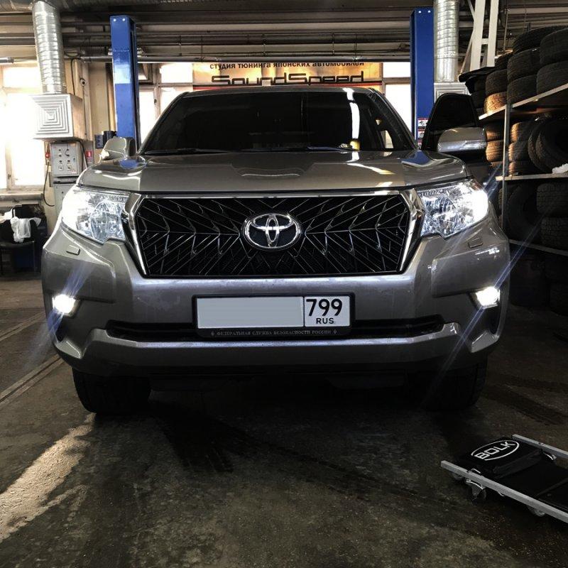 Решетка радиатора Toyota Land Cruiser Prado GDJ150 1GD 2017 Новая не оригинальная решетка, реплика