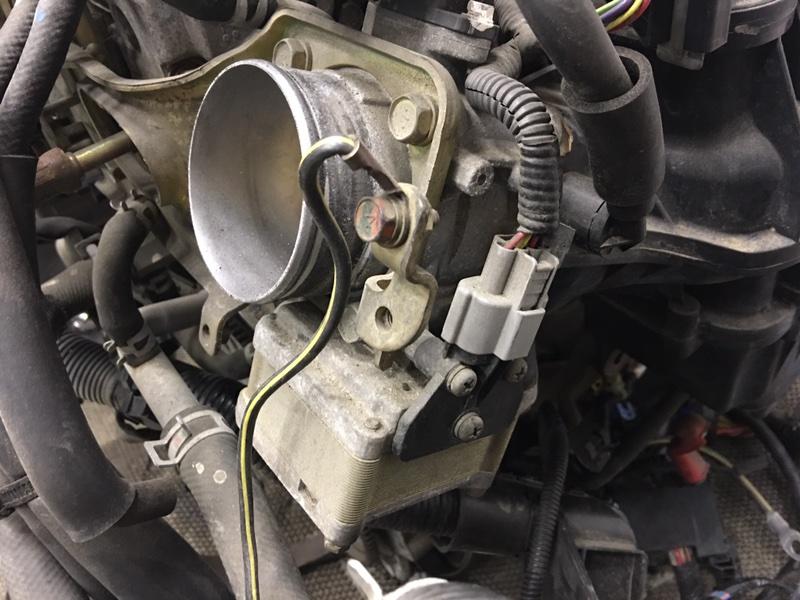 Заслонка дроссельная Mitsubishi Dion CR6W 4G94 2005 (б/у)