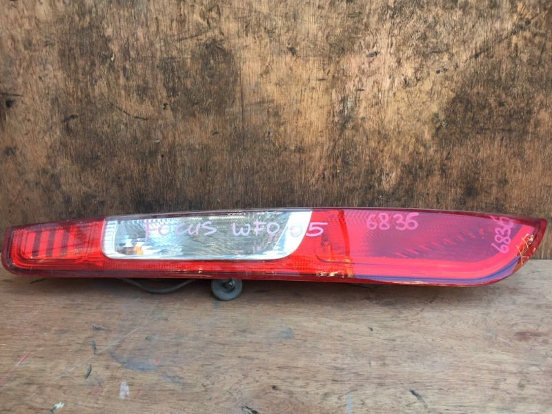 Задний фонарь Ford Focus 2 CB4 SHDC 2005 задний левый 10175, 6835 (б/у)