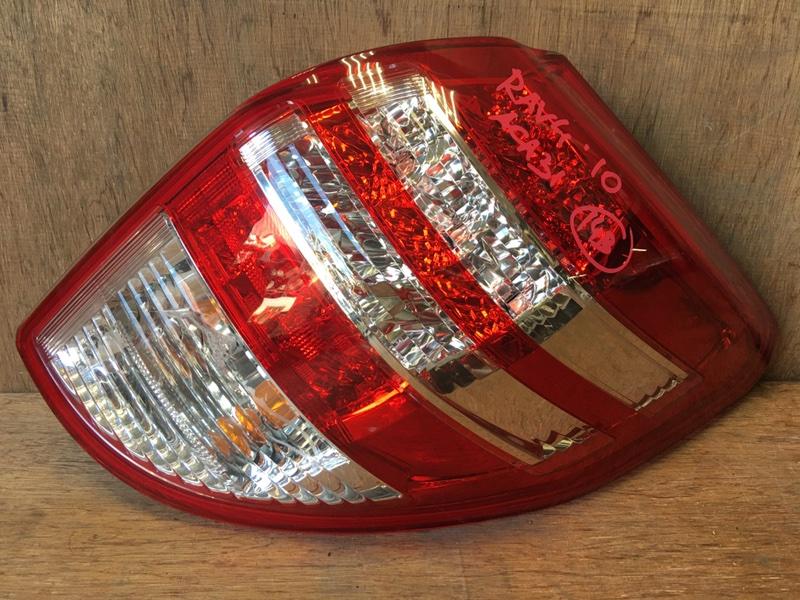 Задний фонарь Toyota Rav4 ACA31 2AZ 2010 задний правый 42-51 Трещина (см. фото). (б/у)