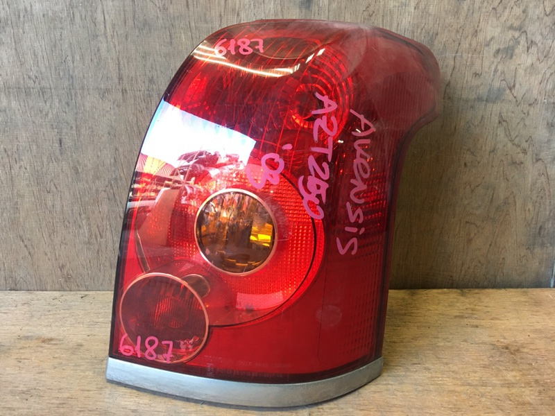 Задний фонарь Toyota Avensis AZT250 1AZ-FSE 2004 задний правый 05-50 Универсал. 4 шт. (б/у)