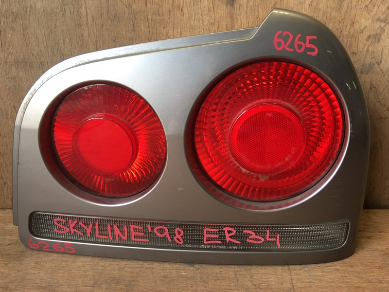 Задний фонарь Nissan Skyline ER34 RB25 1998 задний правый 220-66260, 13-06701, 6265 (б/у)