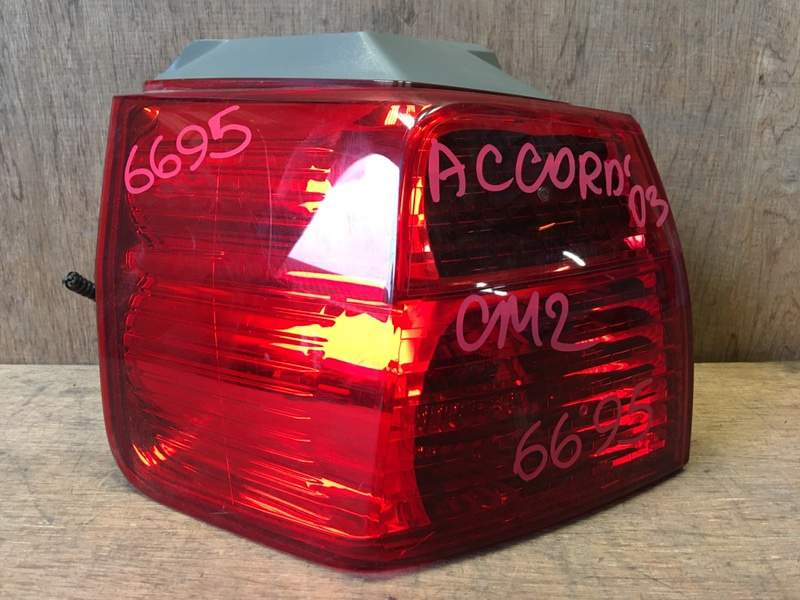 Задний фонарь Honda Accord CM2 K24A 2003 задний левый P3226, 6695 WAGON. (б/у)