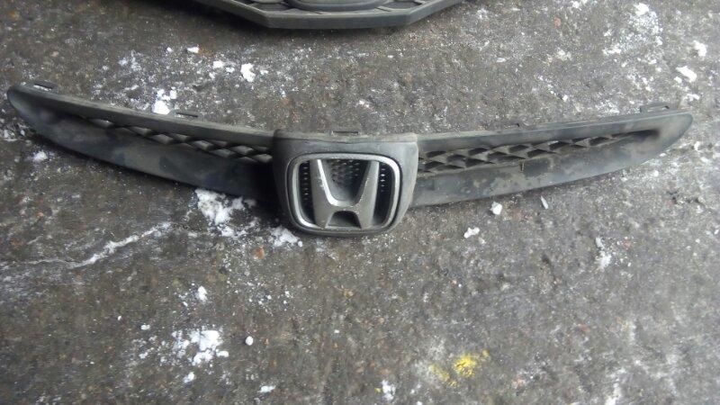 Решетка радиатора Honda Fit GD1 L15A