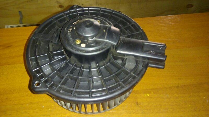Мотор печки Toyota Kluger V ACU20 1MZFE