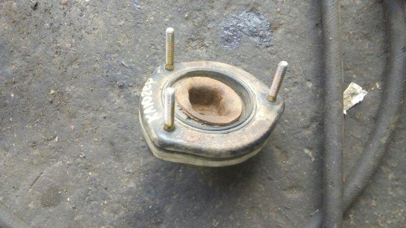 Чашка стойки Toyota Kluger V ACU20 1MZFE задняя