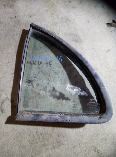 Форточка двери Nissan Sunny B14 QG15DE задняя левая