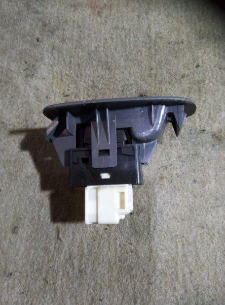 Кнопка стеклоподъемника Nissan Sunny B14 QG15DE задняя левая