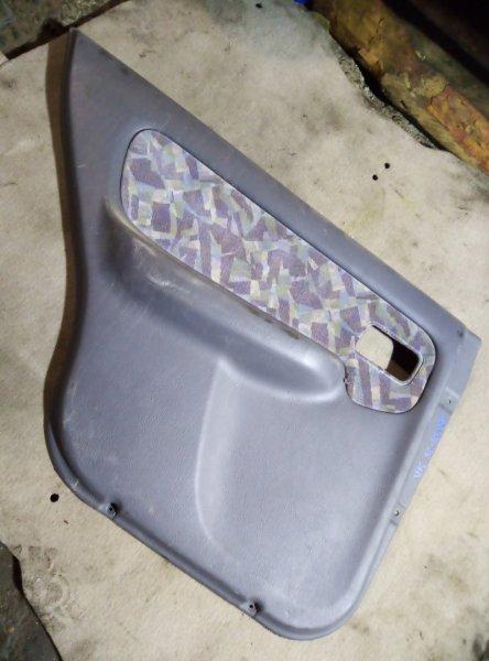 Обшивка двери Nissan Sunny B14 QG15DE задняя левая