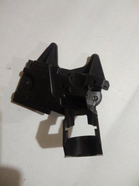 Крепление форсунки омывателя фар Peugeot 308 07