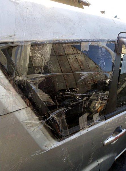 Стекло собачника Mitsubishi Outlander CW4W 4B12 2008 правое
