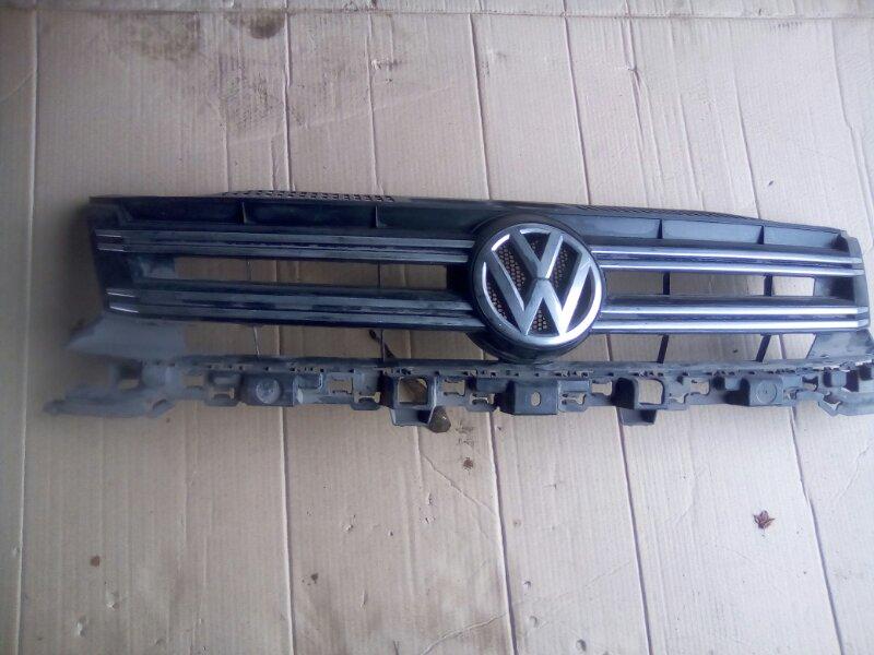 Решетка радиатора Volkswagen Tiguan 2006 передняя