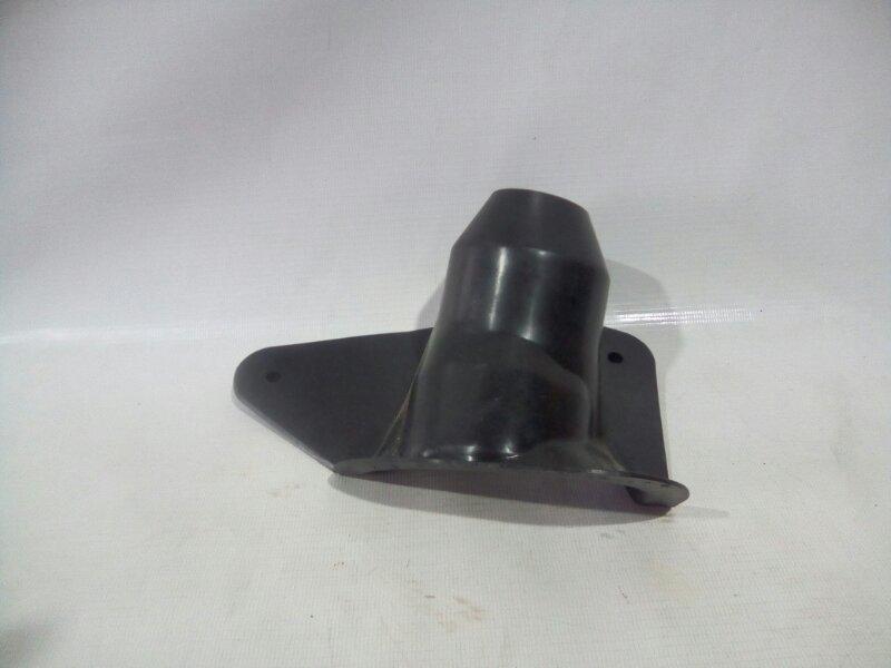 Пыльник рулевой колонки Toyota Ist NCP60 1NZFE