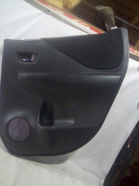 Обшивка двери Toyota Ractis NCP100 1NZFE 2010 задняя правая