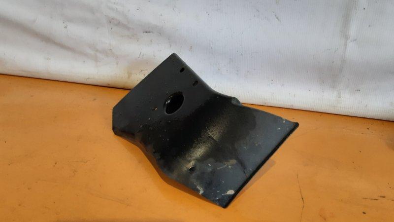 Защита горловины топливного бака Toyota Crown GS171 1GFE 2000 правая