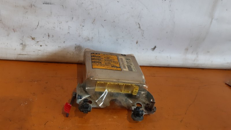 Блок airbag Toyota Crown GS171 1GFE 2000