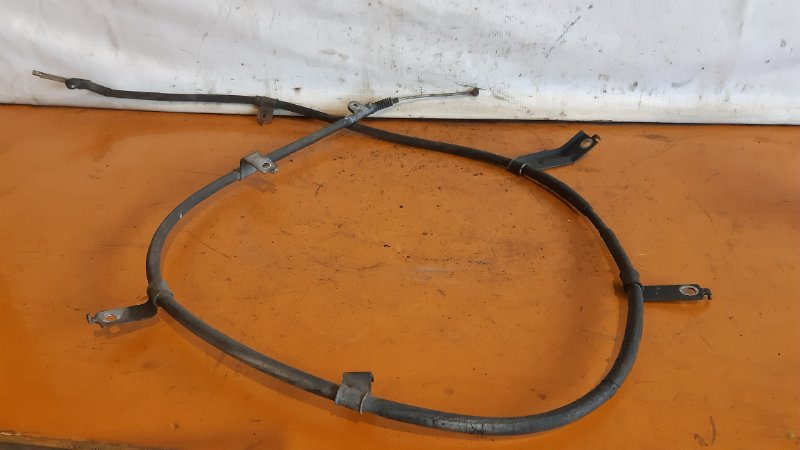 Тросик ручника Nissan Serena NC25 MR20DE 2005 правый