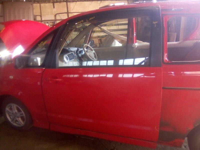 Дверь боковая Toyota Porte NNP10 1NZFE 2002 левая