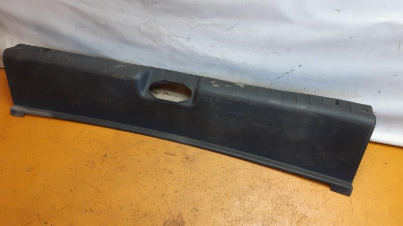 Накладка багажника Лада Гранта BAZ11183 2012