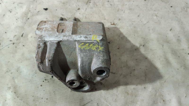 Крепление двигателя Toyota Camry SV40 правое