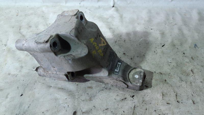 Крепление двигателя Honda Accord CL8 J30A4 правое