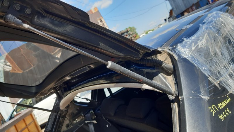 Амортизатор крышки багажника Nissan Dualis J10 MR20DE 2008