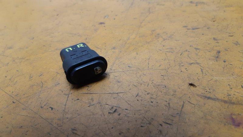 Кнопка стеклоподъемника Chevrolet Niva Chevrolet Niva BAZ2123 2011 передняя правая