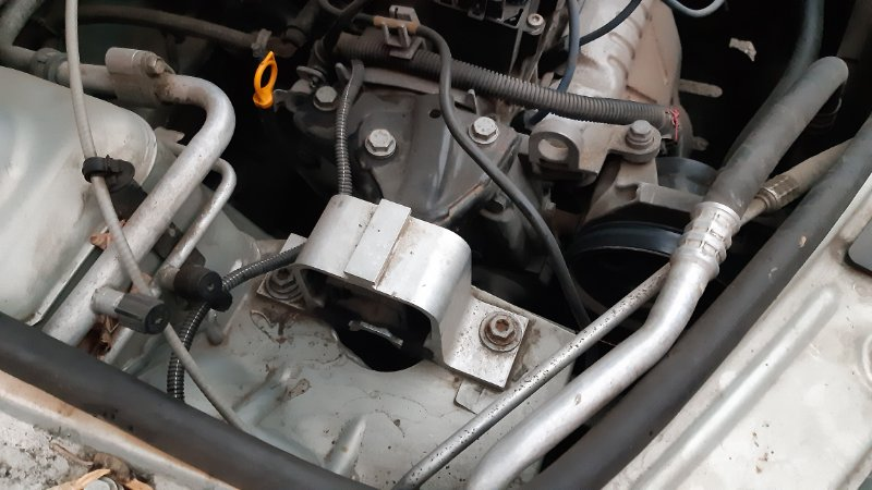 Подушка двигателя Renault Logan LS0G D4D правая