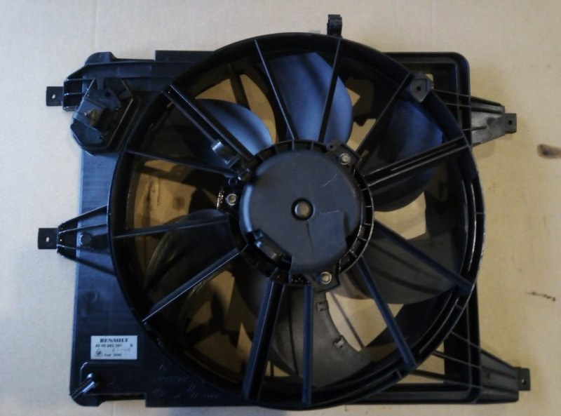 Диффузор радиатора Renault Logan LS0G D4D