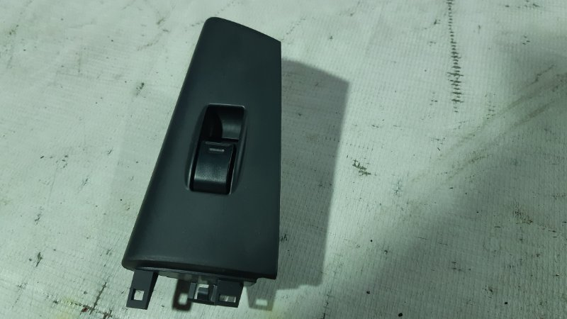 Кнопка стеклоподъемника Toyota Allex CE121 1NZFE 2001 правая