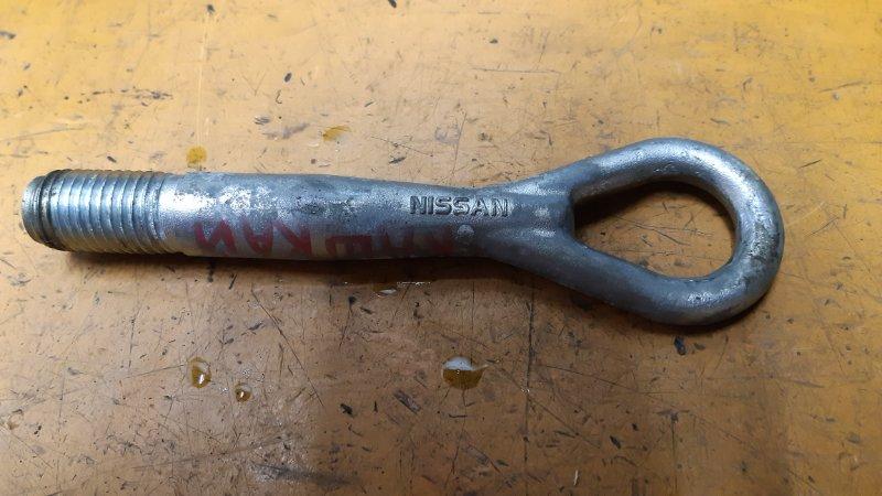 Крюк буксировочный Nissan Qashqai