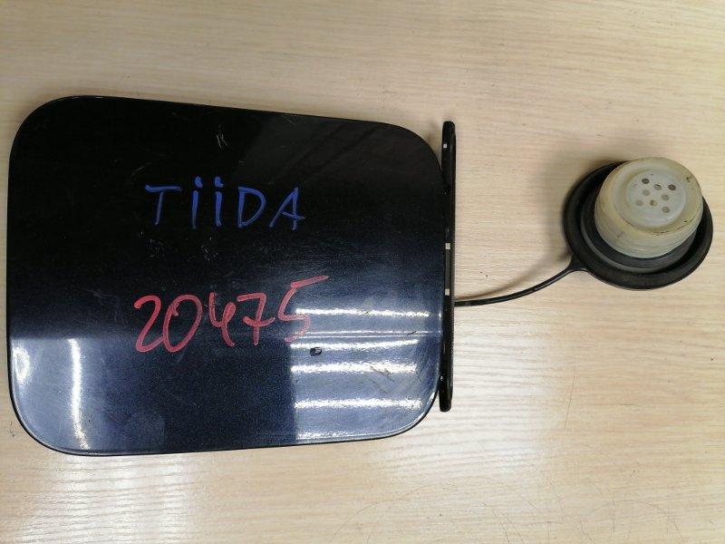 Лючок бензобака Nissan Tiida C11 HR15DE