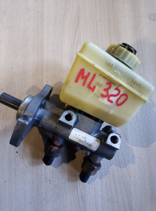 Главный тормозной цилиндр Mercedes-Benz M-Class W163
