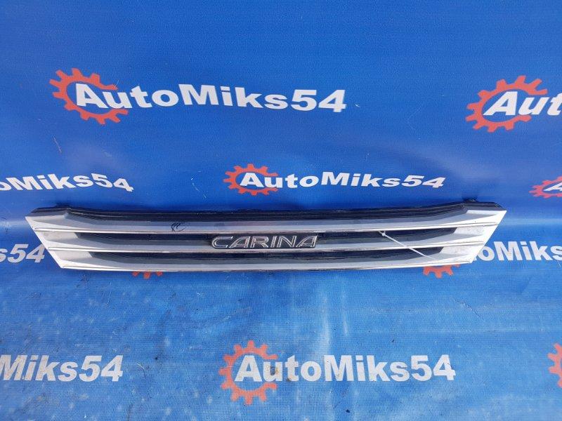 Решетка радиатора Toyota Carina ST162