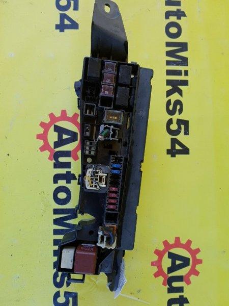 Блок предохранителей Toyota Corolla NZE121