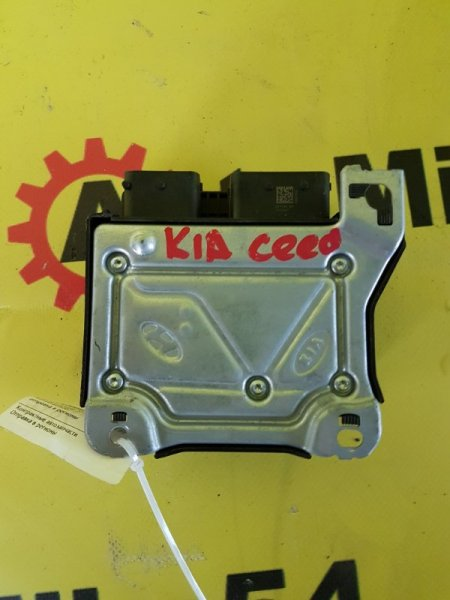 Блок управления аирбаг Kia Ceed G4FG 2015