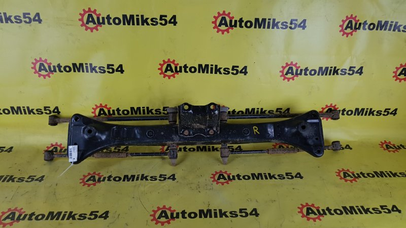 Балка подвески Toyota Sprinter Carib AE111 4A-FE задняя