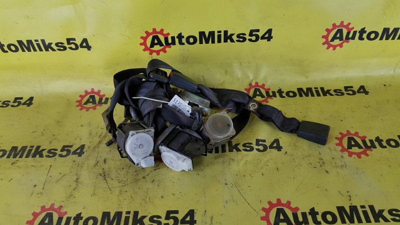 Ремень безопасности Toyota Sprinter Carib AE111 4A-FE