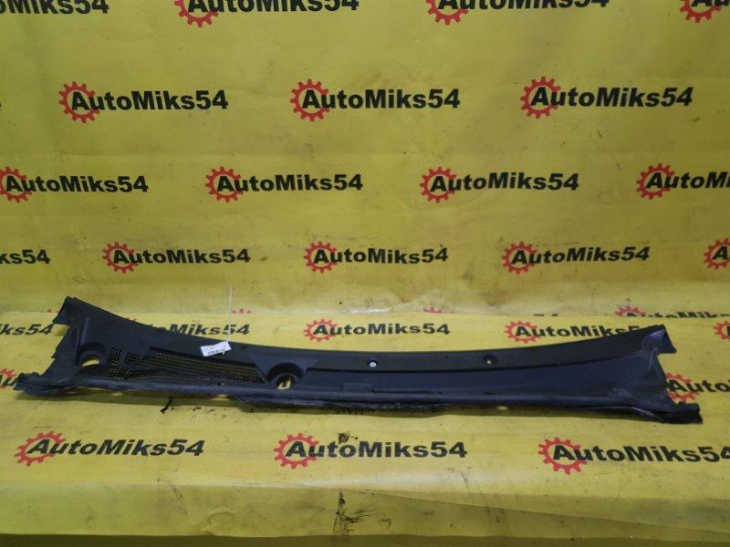 Решетка под лобовое стекло Nissan Ad VY11 QG13