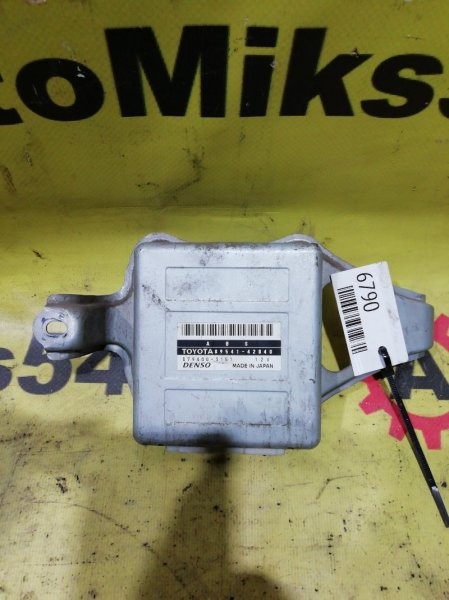 Блок управления abs Toyota Rav4 SXA11 3S-GE