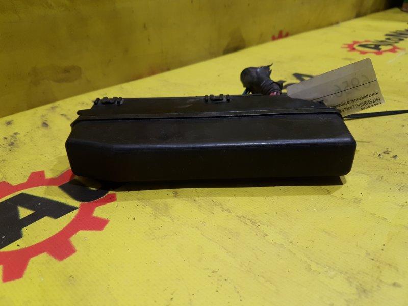 Блок реле Mitsubishi Lancer Cedia CS5A 4G93