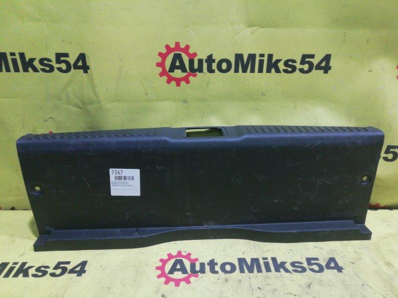Пластик замка багажника Hyundai Tiburon G4GC 2002