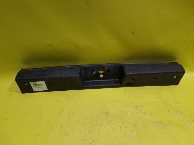 Пластик замка багажника Ford Focus 1 CDDA 2003 задний