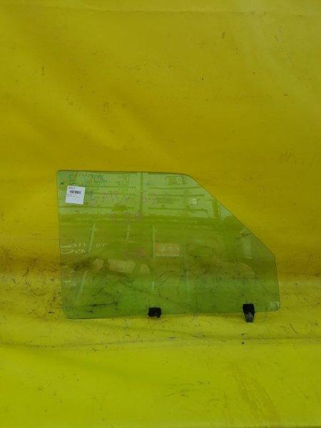 Стекло двери Bmw 520 E28 переднее правое