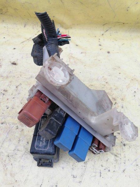 Блок предохранителей Nissan Sunny FB15 QG15DE 2001
