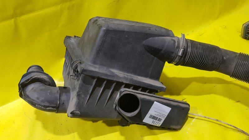 Корпус воздушного фильтра Volkswagen Golf 3 1993