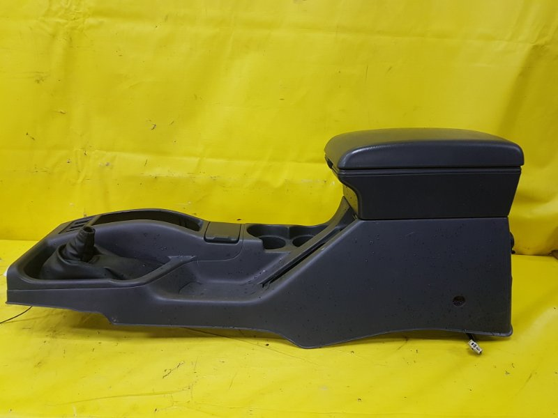 Консоль между сидений Nissan Terrano Regulus R50 VG33(E) 1998