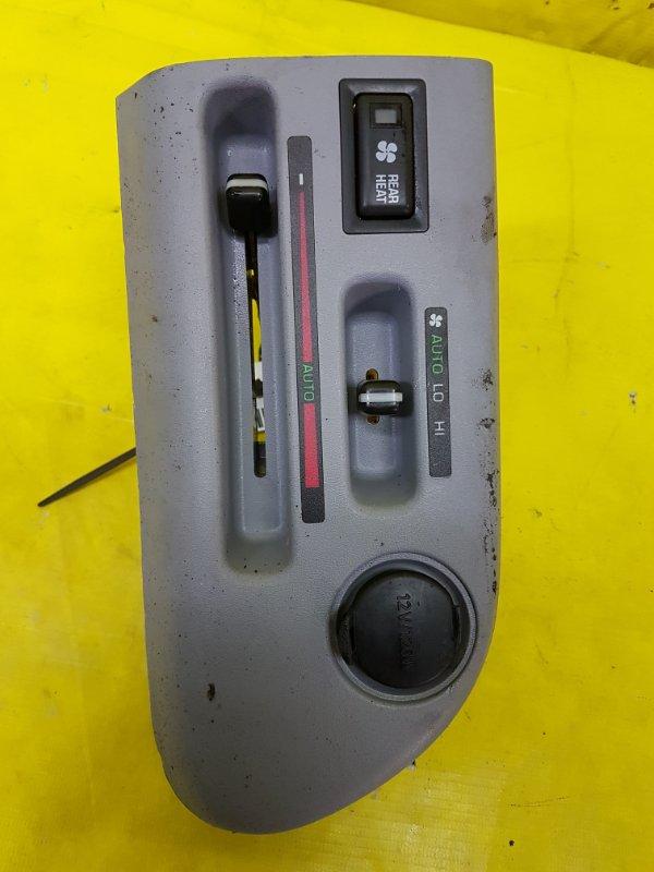 Блок управления климат-контролем Toyota Hiace Regius RCH47 3RZ-FE 1997 задний